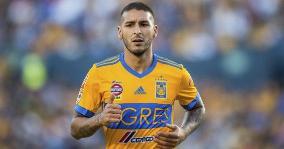 Ismael Sosa regresaría a los Pumas