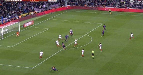 Messi hace épico gol y de paso elimina al Sevilla