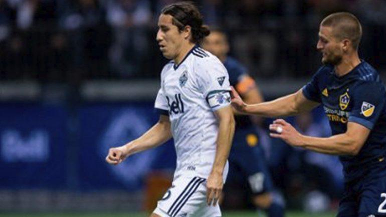 Efraín Juárez con un pie en el futbol de Europa