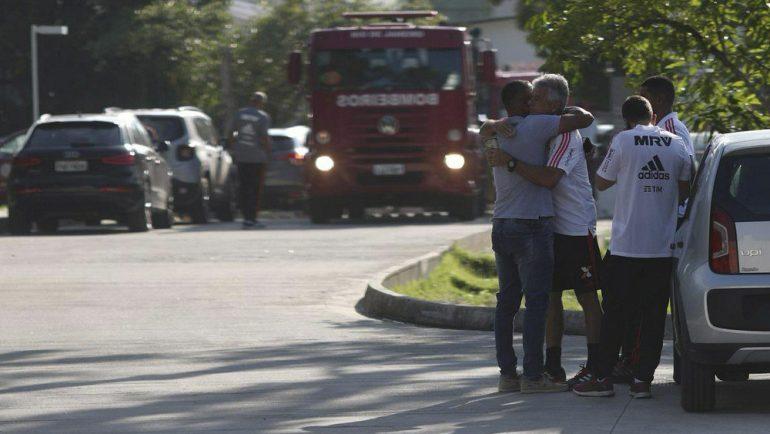 10 muertos por incendio en instalaciones del Flamengo