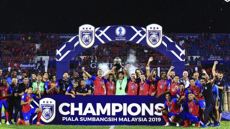 Estratega mexicano se corona campeón en el futbol de Malasia