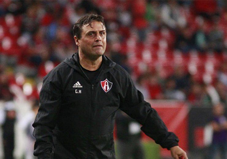 Ángel Guillermo Hoyos dejó de ser técnico del Atlas